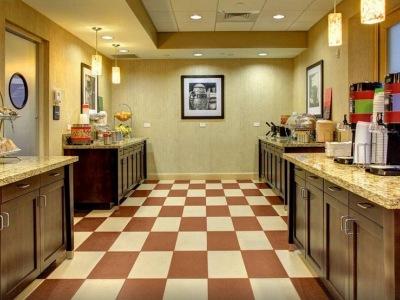 breakfast room 1 - hotel hampton inn and suites coconut creek - coconut creek, united states of america
