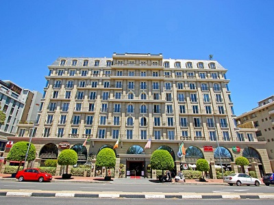 exterior view - hotel cape royale - cape town, south africa