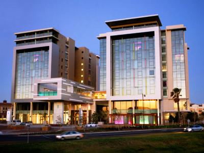 African Pride Crystal Towers Hotel - Spa