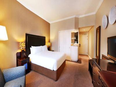 bedroom - hotel hilton sandton - johannesburg, south africa