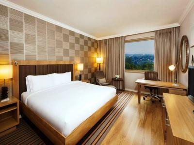 bedroom 2 - hotel hilton sandton - johannesburg, south africa