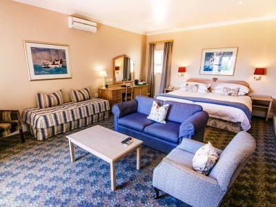 bedroom - hotel the beach - port elizabeth, south africa