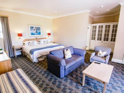 bedroom 4 - hotel the beach - port elizabeth, south africa