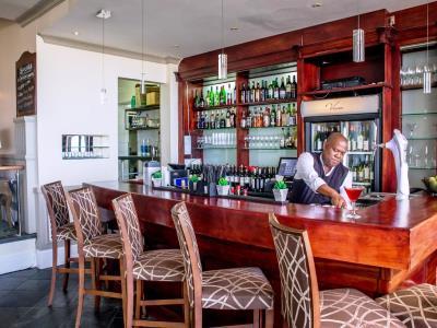 bar - hotel the beach - port elizabeth, south africa