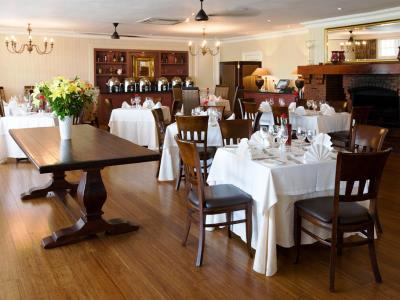 restaurant - hotel devon valley - stellenbosch, south africa