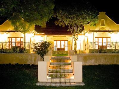 exterior view 1 - hotel devon valley - stellenbosch, south africa