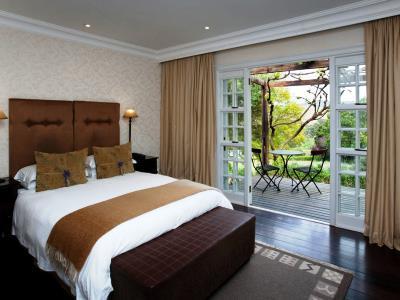 bedroom 4 - hotel devon valley - stellenbosch, south africa