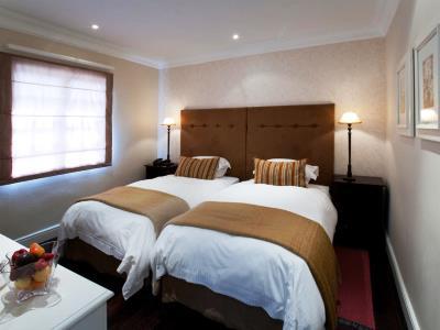 bedroom 6 - hotel devon valley - stellenbosch, south africa