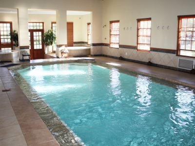 outdoor pool - hotel kievits kroon - pretoria, south africa
